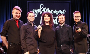 Link to event Sydämemme laulut sing-along – Hanna Pakarinen & House Band